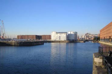 base serviced apartments royal quay liverpool united kingdom. Black Bedroom Furniture Sets. Home Design Ideas